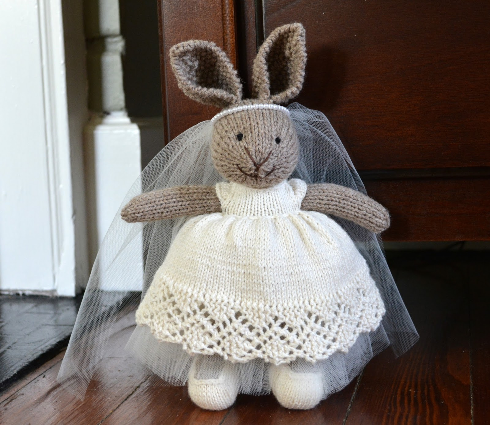 cozy birdhouse | knit wedding bunny