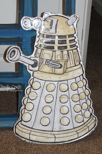 http://doodlecraft.blogspot.com/2013/09/doctor-who-party-week-invitations-and.html