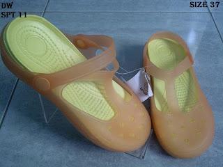 sepatu wanita 100ribuan dan sandal wanita murah
