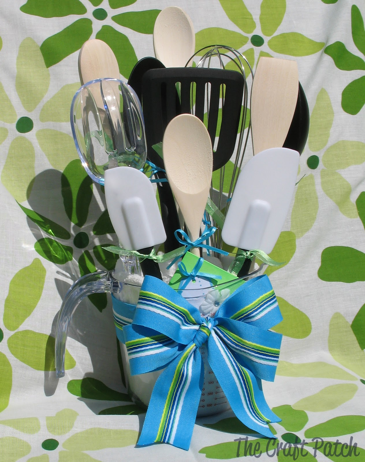 Kitchen Utensil Bouquet - thecraftpatchblog.com