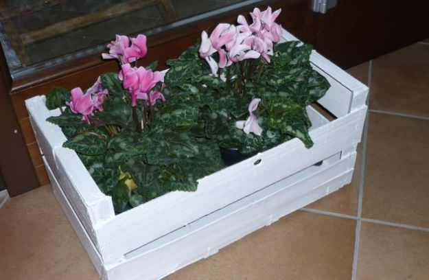 Domenica all 39 insegna del giardinaggio e del riciclo - Porta fioriere da balcone ...