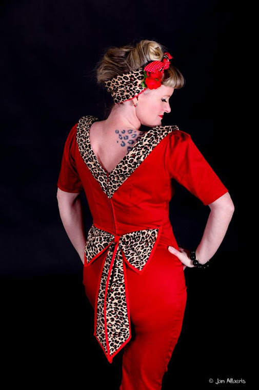 red leopard bow pin-up dress