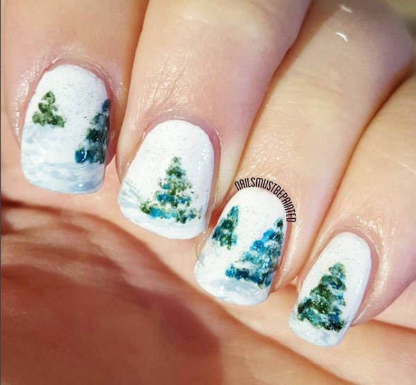 Hand Painted Christmas Nail Art: Nails Must Be Painted: It's Christmassss