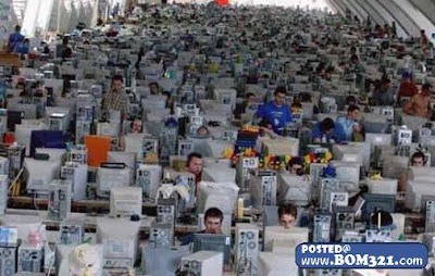 Cyber Cafe Tersesak Di Dunia | the largest cybercafe