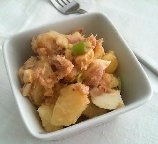 Cocina con Aníbal Patatas aliñadas con huevo y atún