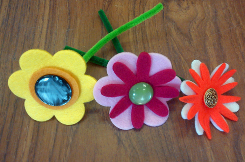 Craft and activities for all ages easy button felt for Simple crafts for seniors