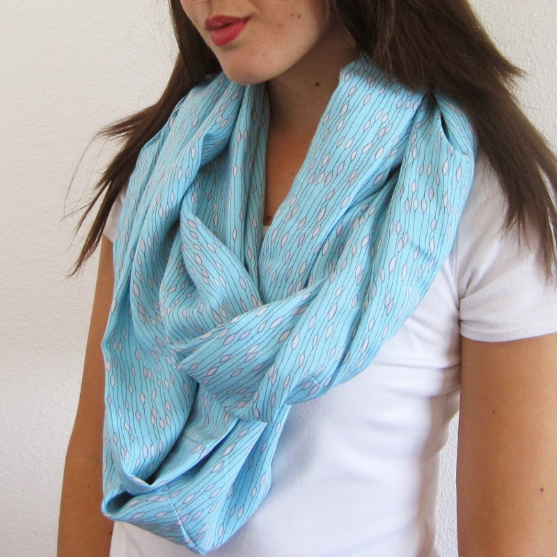 Infinity Scarf Sewing Tutorial: how to sew a mobius scarf with a twist | She's Got the Notion