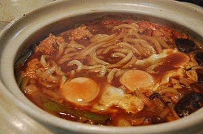 いろんな国のおいしい料理: 赤味噌消費に味噌煮込みうどん いろんな国のおいしい料理 を、作って食