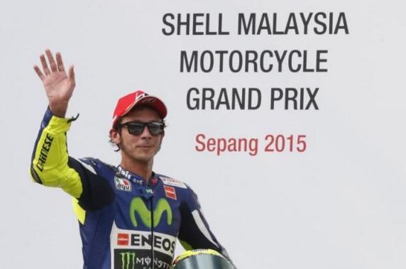 Valentino Rossi Dikenakan Penalti Gara-Gara Tolak Marquez