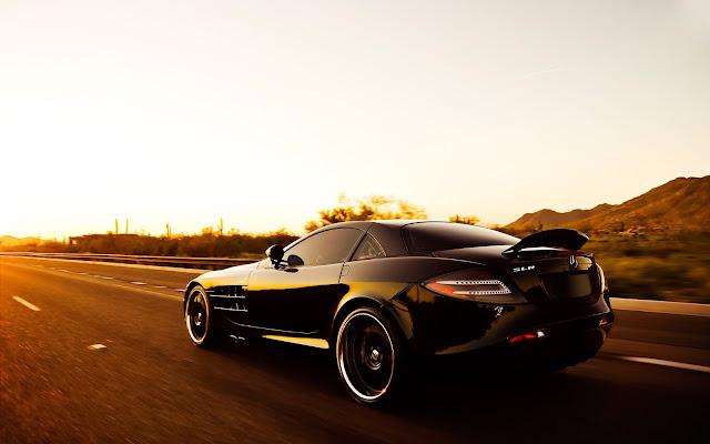 Imagenes del Mercedes-Benz SLR McLaren Negro al Atardecer