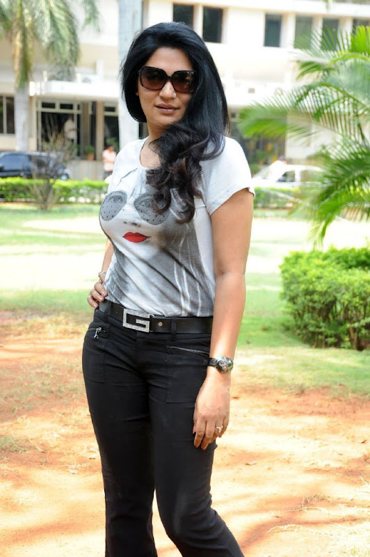 Indian Actress Zerin Ali Photo Shoots Gallery unseen pics