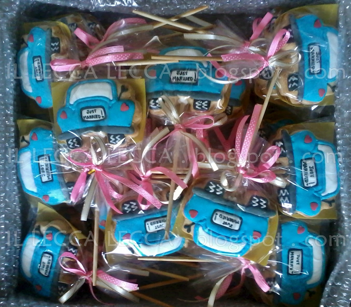 Homemade fancy cookies and chocolate for your occassion for Idea doorgift untuk aqiqah