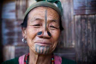 blog--sphere.blogspot.com - 4 Tradisi Unik Suku di Dunia