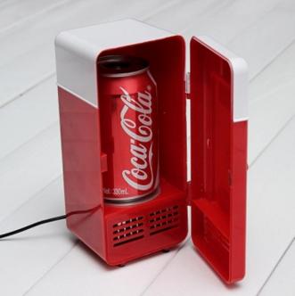 Mini Geladeira Refrigerador de Latinhas USB - R$95,00