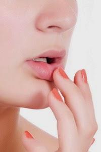 steroid memerahkan bibir