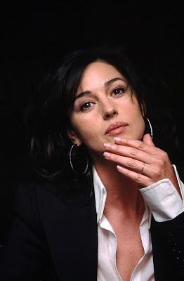 Monica Bellucci look tired