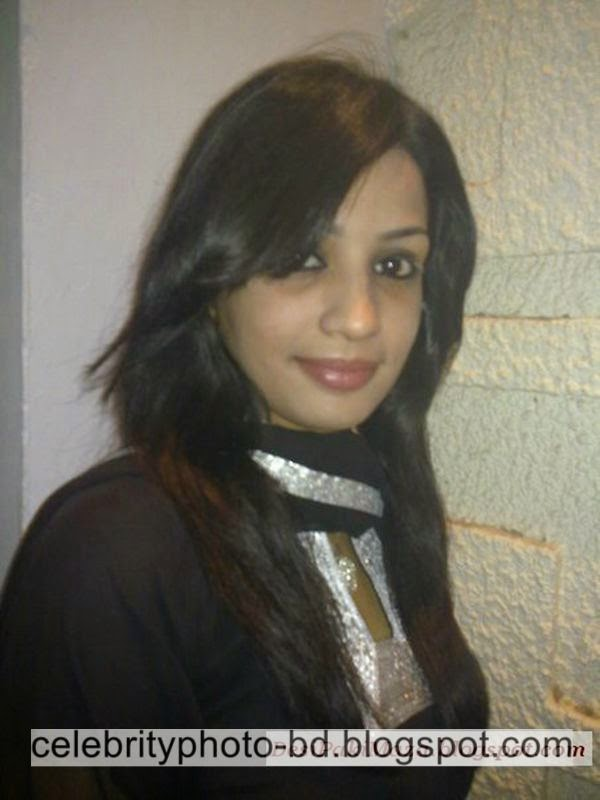 Beautiful%2BPakistani%2BYoung%2BGirl%2BSidra's%2BUnseen%2BFull%2BHD%2BPhotos%2BAlbum012