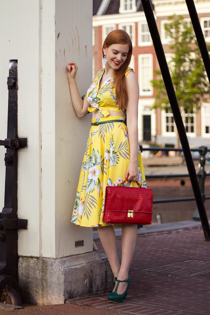 Dutch blogger outfit with yellow Hawaii co-ord