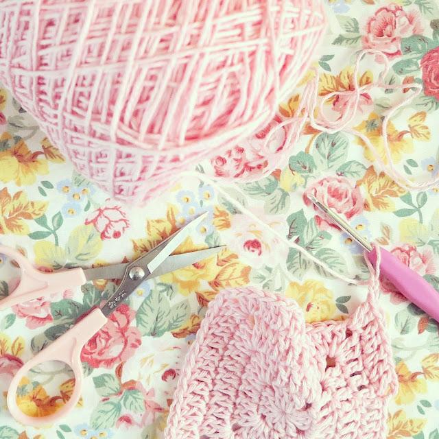 byHaafner, crochet, granny square, pink, flower fabric