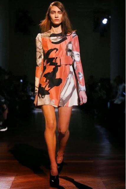 Carven, Carven-Fall-Winter, mercedes-benz-fashion-week, Fall-Winter, Fall-Winter-2014, Womenswear, womenswear-2014, ready-to-wear, pret-à-porter, fashion-week-milan, automne-hiver, fashion-week, milano-fashion-week, milan-fashion-week, mlf, mlf14, mlf2014, paris-fashion-week, fashion-week-paris, pfw, pfw14, pfw2014, du-dessin-aux-podiums, blog-mode-femme, blog-sur-la-mode, online-fashion-magazine, mode-chic, new-mode , fashion-looks, milan-fashion, fashionweek, look-mode, mode-a-paris, paris-fashion, style-mode, accessoires-de-mode, ladieswear, in-fashion, blogs-mode, fashion-events, mercedes-fashion-week, paris-fashion-week-schedule, femme-mode, vetement-femme-solde, chaussures-isabel-marant, balenciaga-parfum, parfum-balenciaga, balenciaga-mens-sneakers, alexander-wang, alexander-wang-balenciaga
