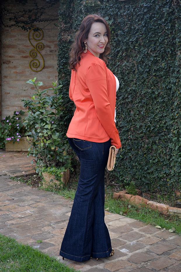 blazer laranja, look casual, osmoze, look osmoze, calça jeans osmoze, tshirt com renda, calça jeans flare, animal print, clutch animal print, scarpin de onça carmen steffens, blog camila andrade, blog de moda em ribeirão preto, fashion blogger, ribeirão preto, loja pamela zanandréa