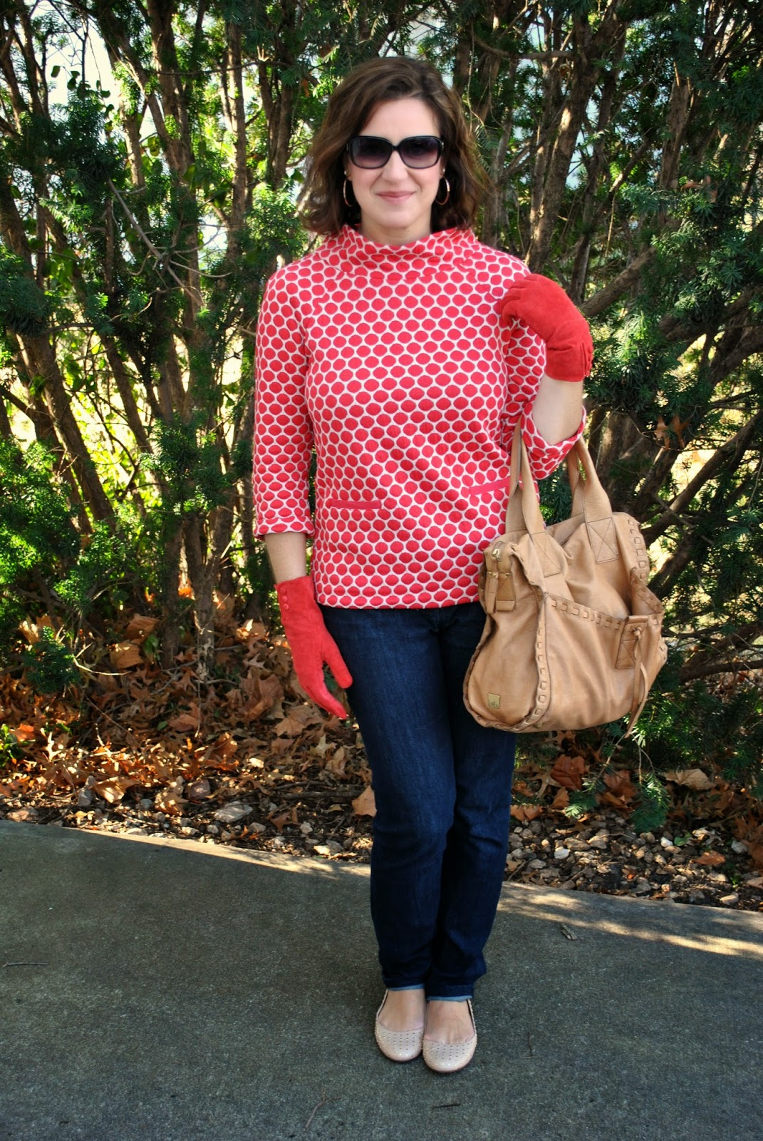 http://akstylemyway.blogspot.com/2015/01/little-red-dots.html