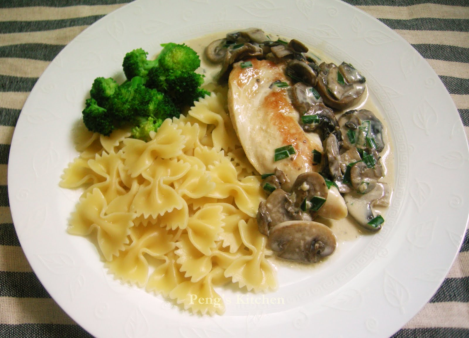 Peng's Kitchen: Farfalle with Panfried Chicken & Creamy Mushroom Sauce