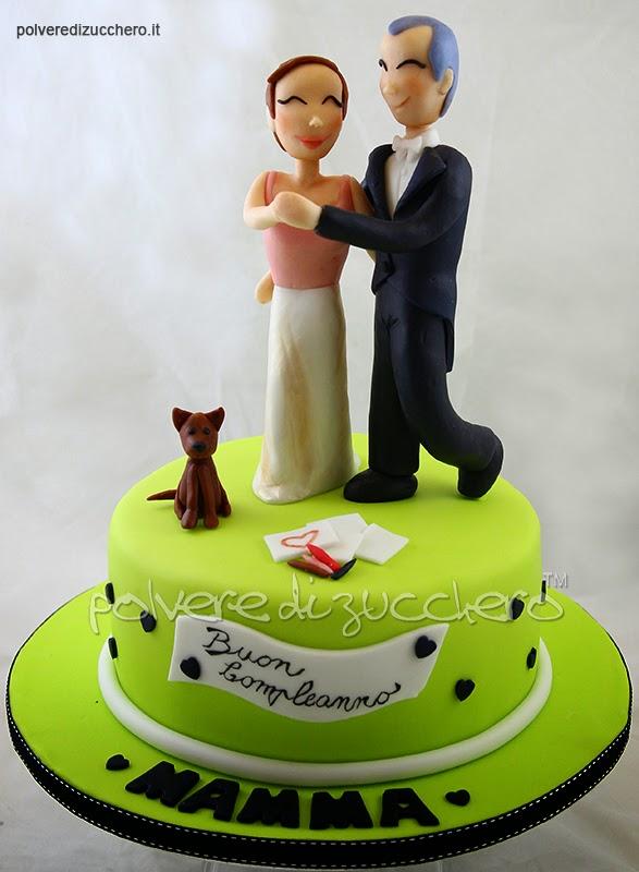 torta decorata compleanno donna ballerini pasta di zucchero polvere di zucchero