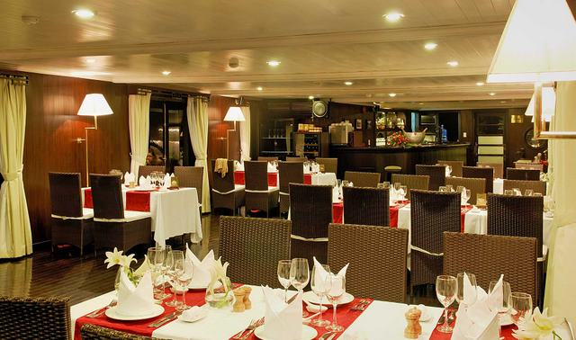 Dining Room - Bhaya Cruise