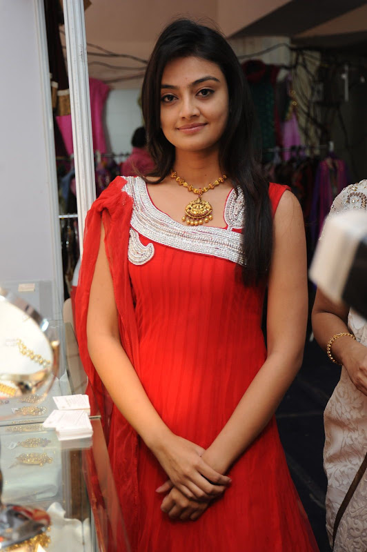 Beuati Full Red Tight Dressing Cute Girls Lovely Actress Photos Images