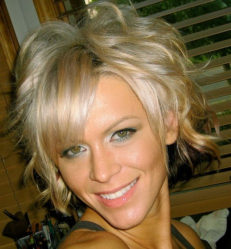 cute hairstyles for short wavy hair