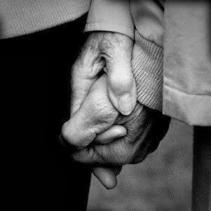 Nắm tay nhau thật chắc nhé