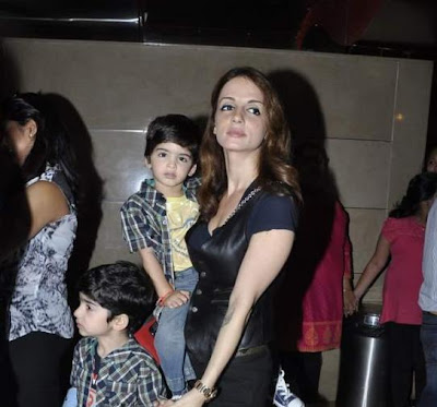 Hrithik Roshan wife Suzanne Khan Roshan and kids Hrehaan and Hridhaan