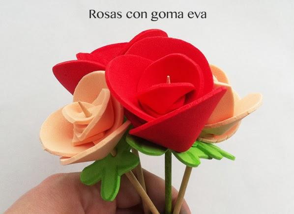 cómo hacer rosas  o flores con goma eva