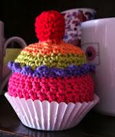 http://delimalimoncraft.blogspot.com.es/2012/11/hoy-un-cupcake-de-amigurumi-en-mondays.html