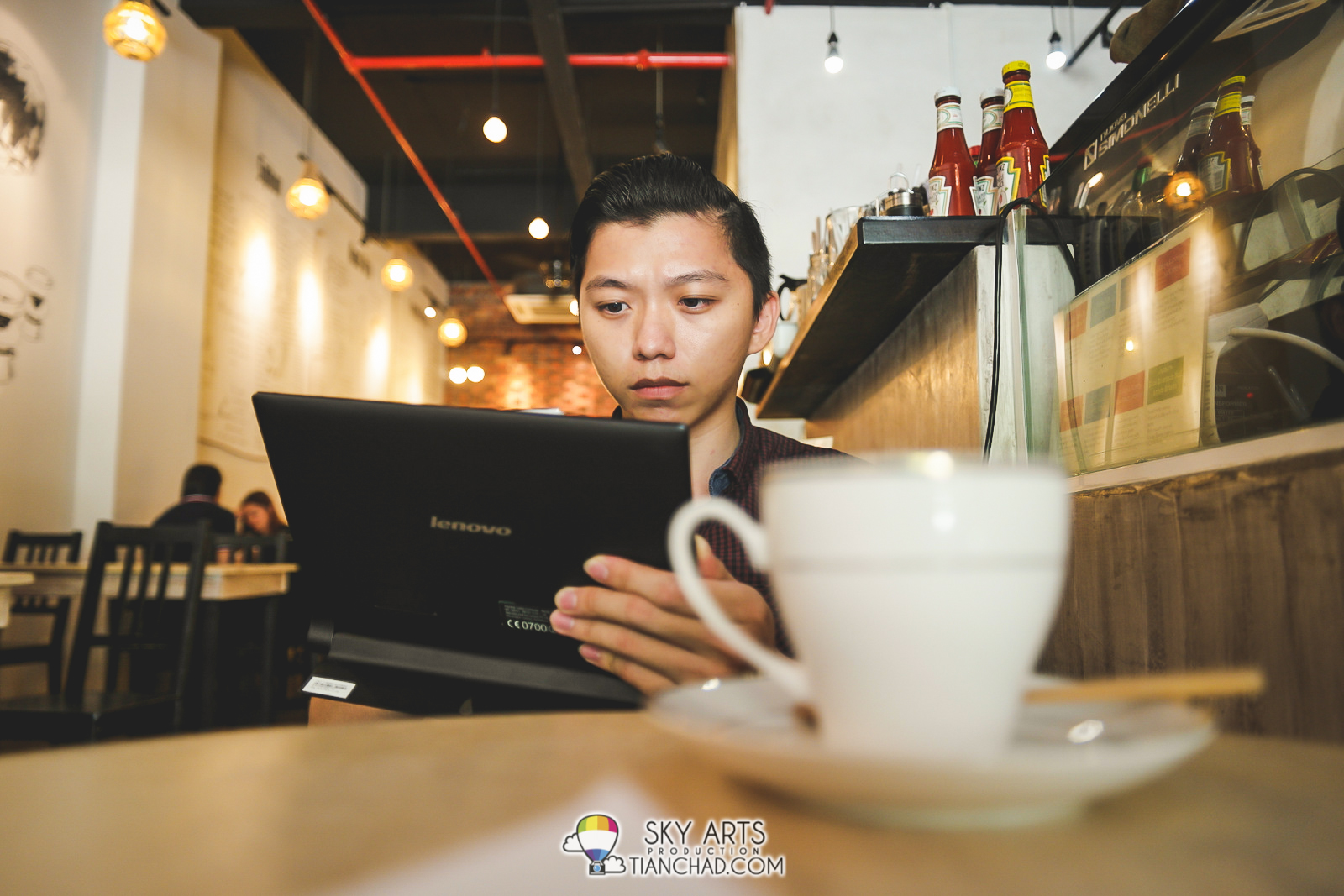 Coffee session with Lenovo Yoga Tablet 2 with Windows