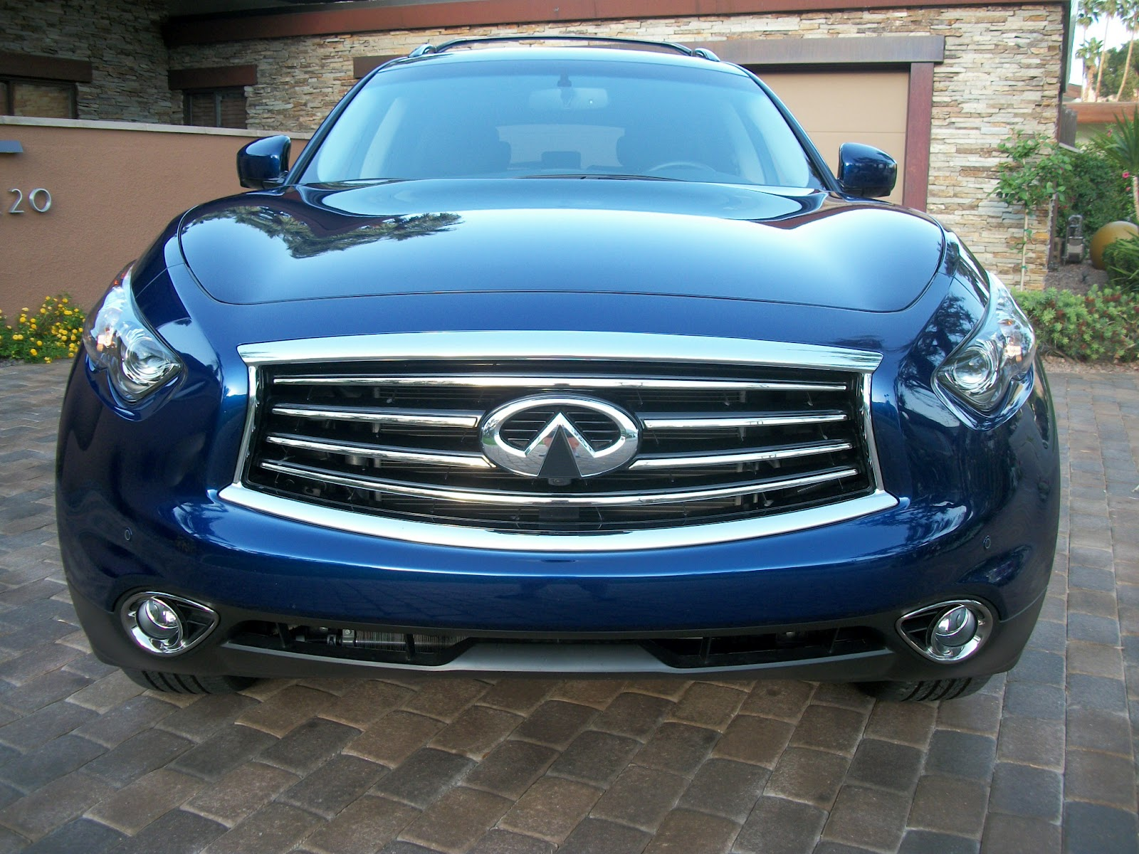 Palm springs automobilist behind the wheel 2012 infiniti fx35 hard to believe its been almost ten years since the fx series made its debut as a 2003 model along with the porsche cayenne the fx helped usher in the vanachro Images
