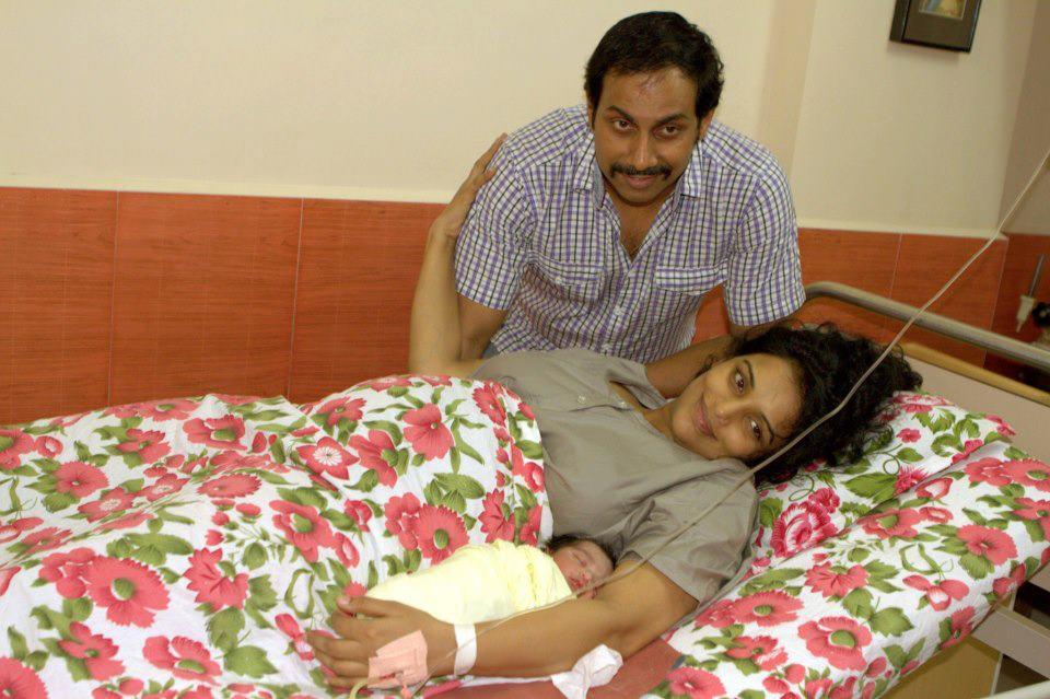 Shwetha Menon And Sreevalsan With Baby Girl At Nanavati Hospital Mumbai