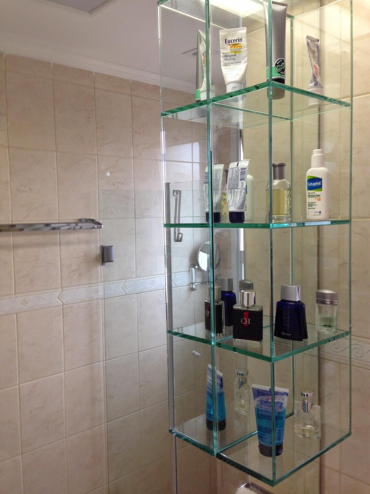 Trabalhamos com todos os tipos de vidros e espelhos emgeral. #27435F 1200 1600