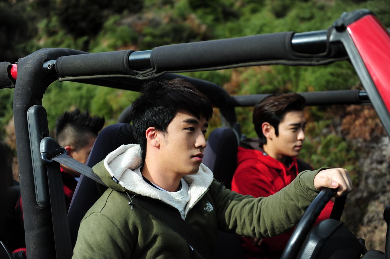 BigBang Eikones BIGBANG_North-Face+15