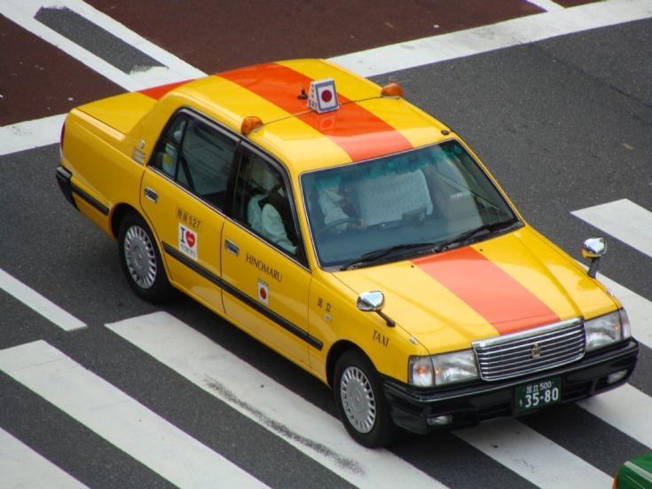 fender mirror, wing, lusterka na błotnikach, mocowane przy błotniku, japoński samochód, motoryzacja z Japonii, JDM, ciekawostki, oryginalne, フェンダーミラー, 日本車, taksówka, taxi, przewóz osób, Toyota Crown