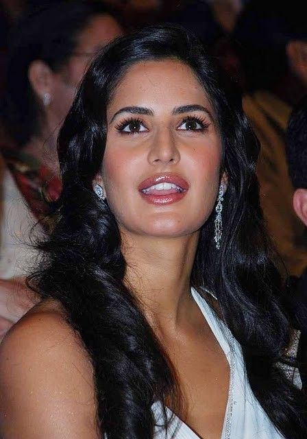 Bollywood Actress Katrina Kaif White Saree Stills Photogallery Photoshoot images