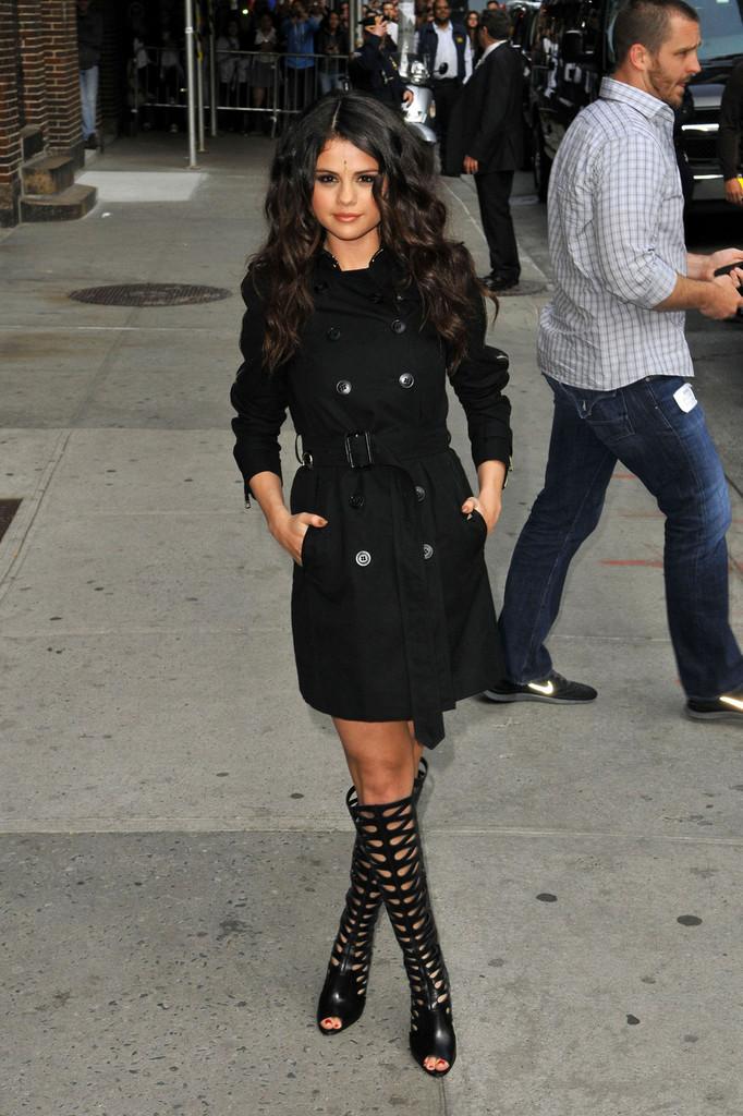 Fashion And Whatever I Like Selena Gomez Is Killing The Fashion Game Selena Is Wearing A