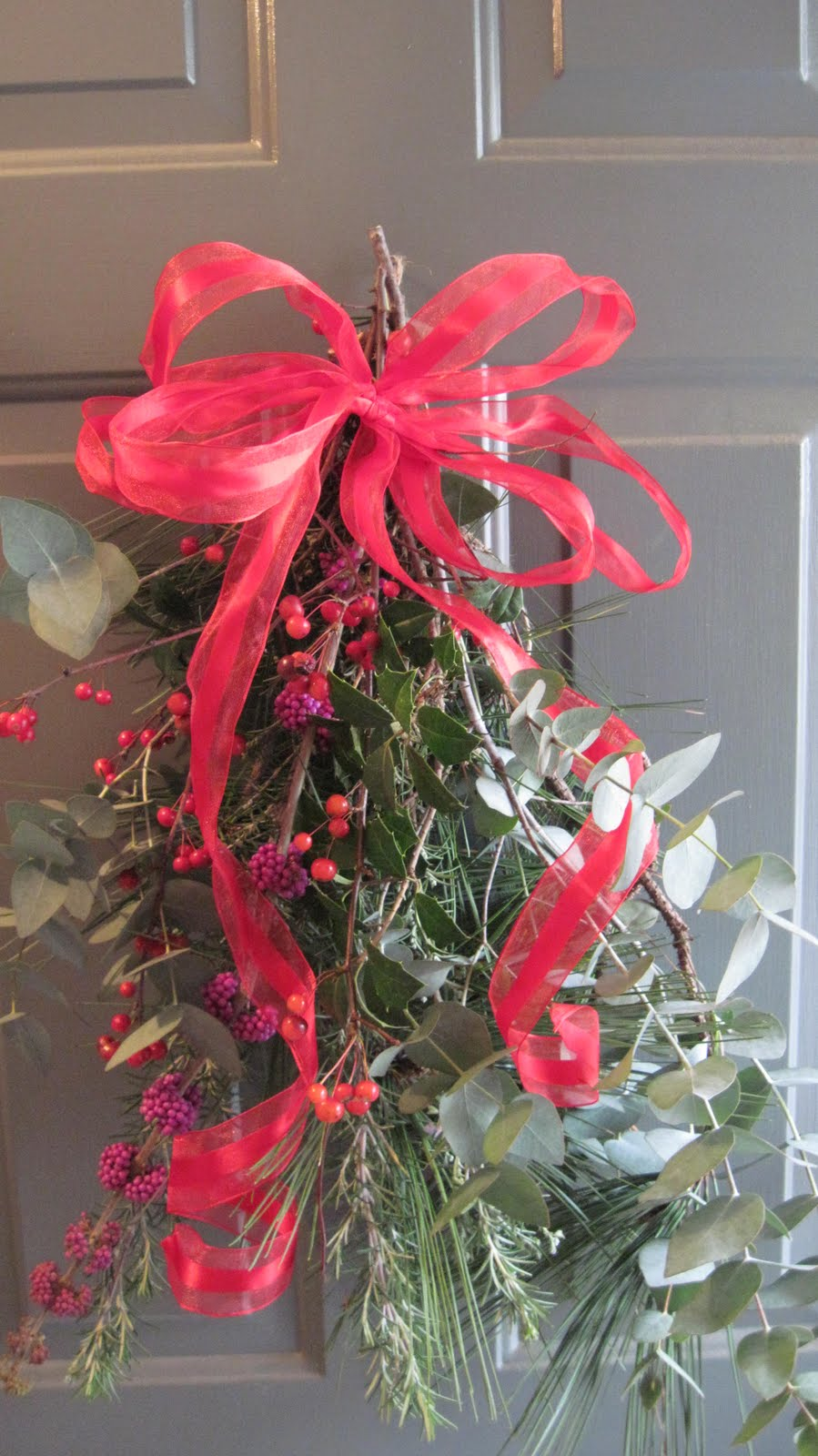 I like making these holiday door swags from whatever I find around the garden. This year loblolly pine holly rosemary crab apple eucalyptus and beauty ... & Central Virginia Organic Gardener: My 2011 Holiday Door Swag