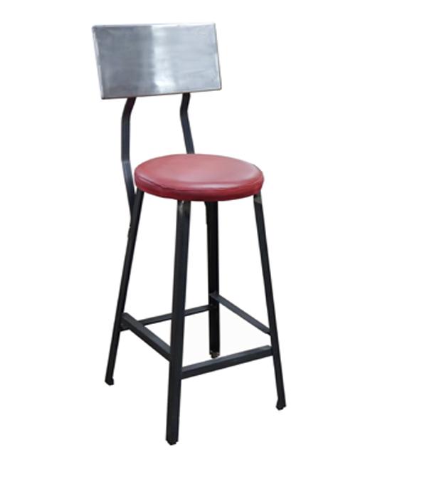 Mesas y sillas en metal de estilo industrial en hierro y for Taburete estilo industrial