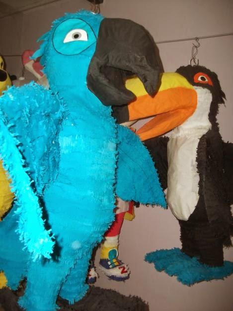Centros de Mesa y Piñatas de Rio