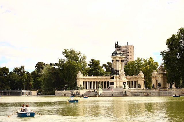 Pond | Retiro Park | Chichi Mary Blog