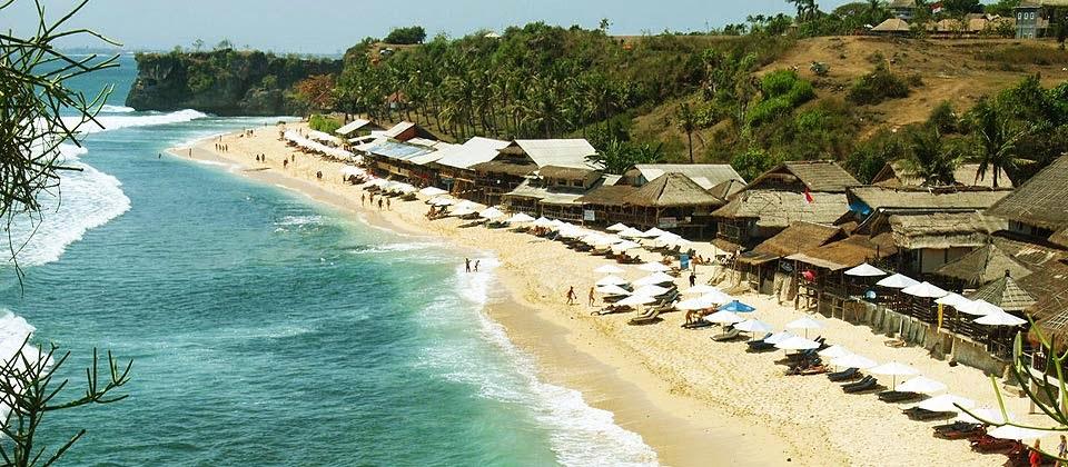 Objek Wisata Pantai Balangan Bali yang Indah