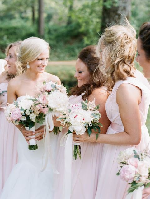 summer wedding : les fleurs wedding florist : blush pink peony : blush bridesmaid