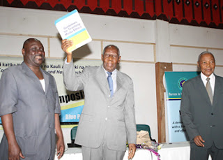MCT unveils media ethics book